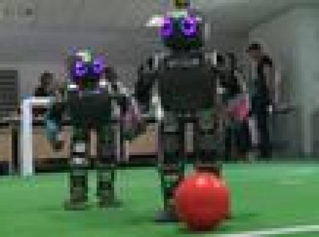 Robotların 'Robocup' öncesi son antrenmanları