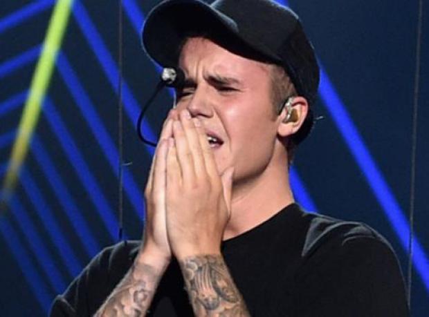 Justin Bieber Hüngür Hüngür Ağladı