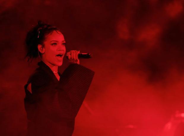 Rihanna'dan Turne Müjdesi