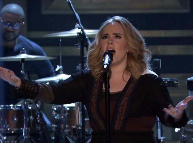 Yeni Şarkı: Adele