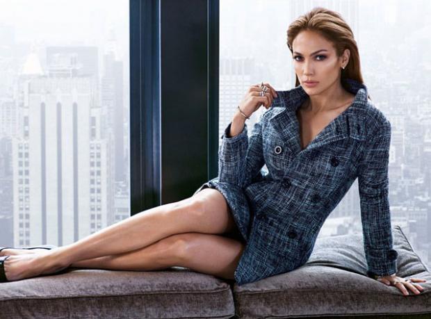 Jennifer Lopez Kendisi İçin Poz Verdi