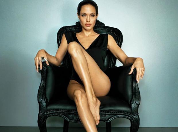 Jolie, Tehlikeli İmparatoriçe Rolünde!