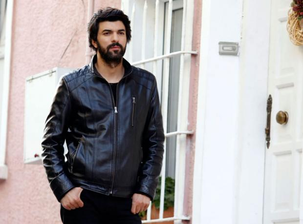 Engin Akyürek Hollywood'u da Fethedecek!