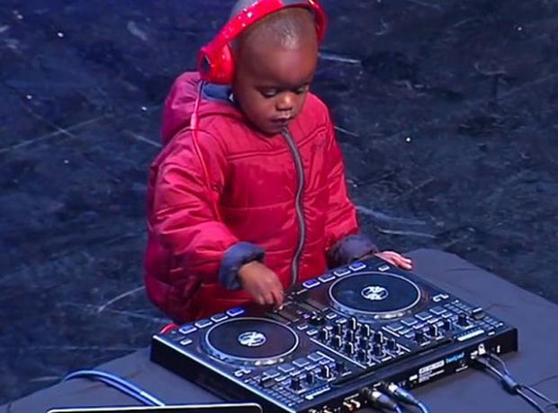 3 Yaşındaki DJ Büyüledi!