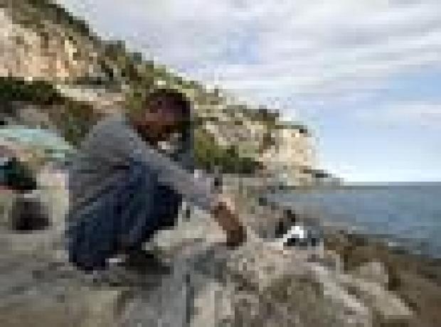İtalya kayıp 800 göçmenin cesetlerini aramaya başladı