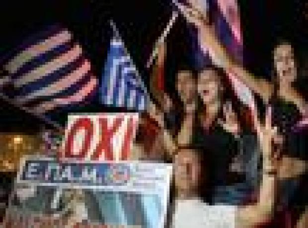 Tsipras: Demokrasinin zaferini kutluyoruz