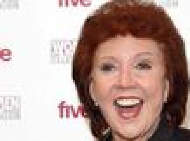 İngiliz şarkıcı Cilla Black öldü