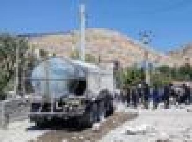 Diyarbakır'da yola döşenen patlayıcıyla saldırı: Bir çocuk yaşamını yitirdi