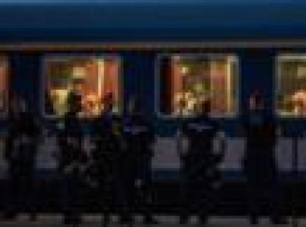 Macaristan'da mülteci dolu tren krizi sürüyor