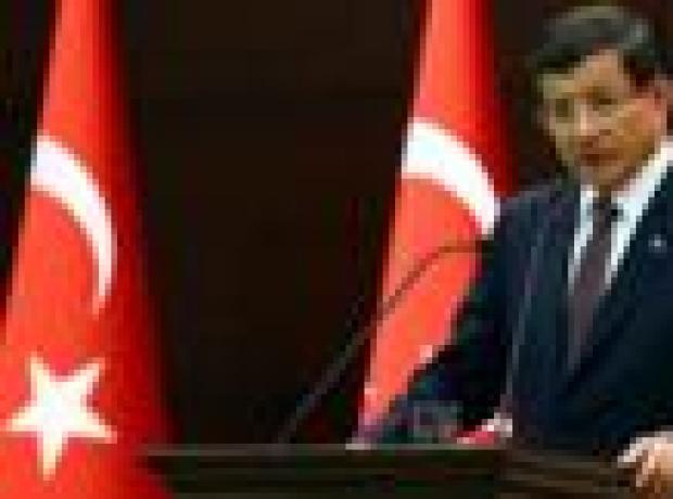 Davutoğlu: Rusya Suriye'de IŞİD'i vurmuyor