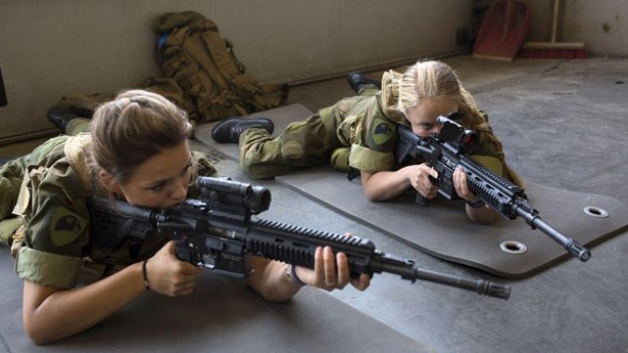 Kadınlara Zorunlu Askerlik!